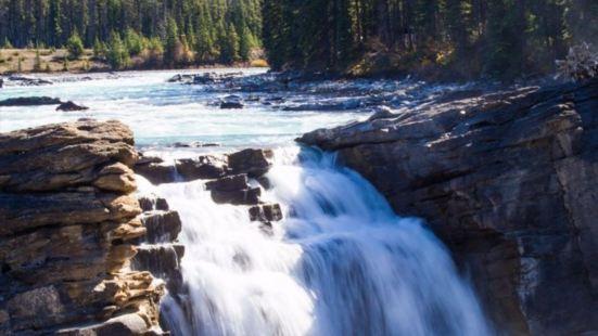 阿薩巴斯卡瀑布Athabasca Falls阿薩巴斯卡瀑布位