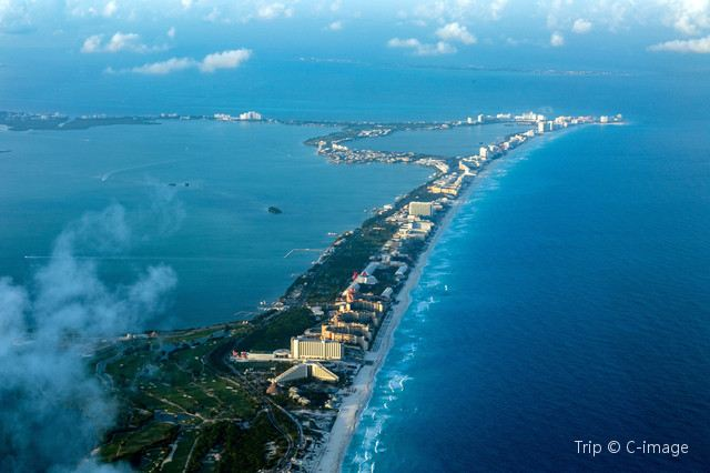 Cancun: The Glistening City of Mexico