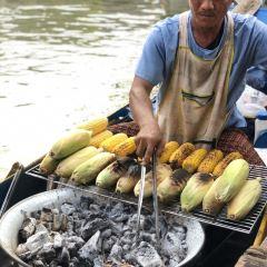 ตลาดน้ำ 4 ภาค พัทยา User Photo