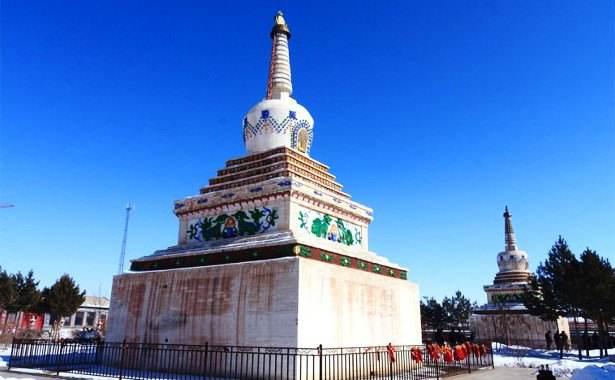 Yanfu Temple Shuangta
