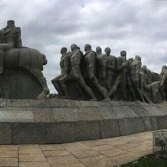 巴西拓荒者群雕張用戶圖片