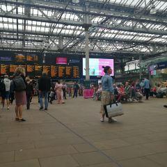 Edinburgh Waverley railway station User Photo