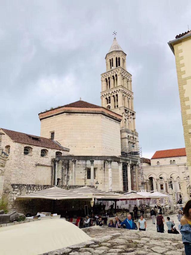 聖杜金教堂