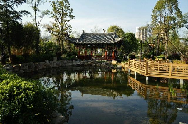 太液湖公園