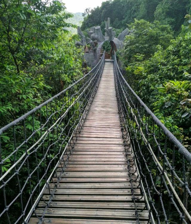 잉더톈먼거우 관광지구