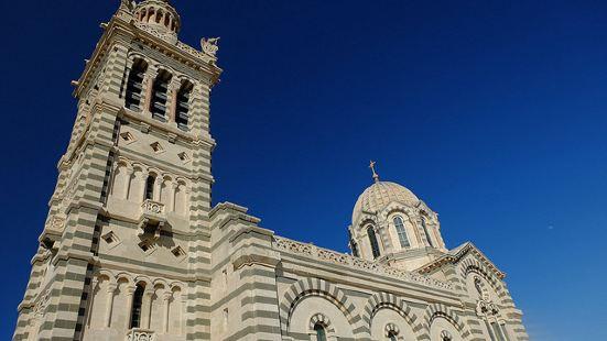 19世纪中叶,教堂扩建时请来了建筑设计师Esperandie