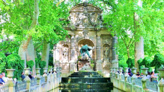 梅迪奇噴泉
