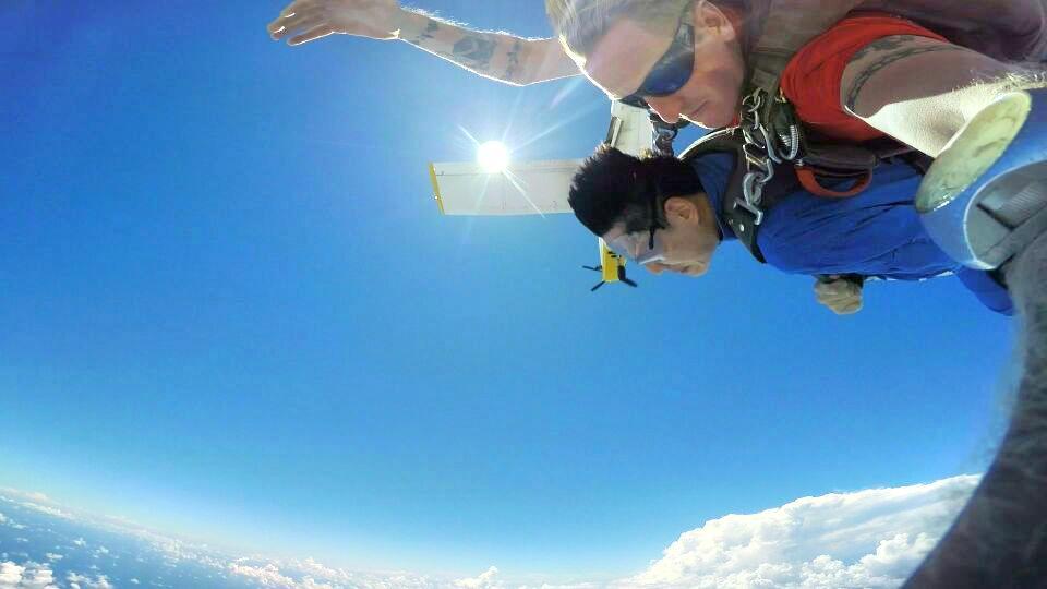 Skydive Guam高空跳傘