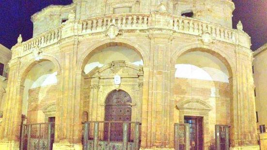 特拉帕尼聖拉倫佐教堂