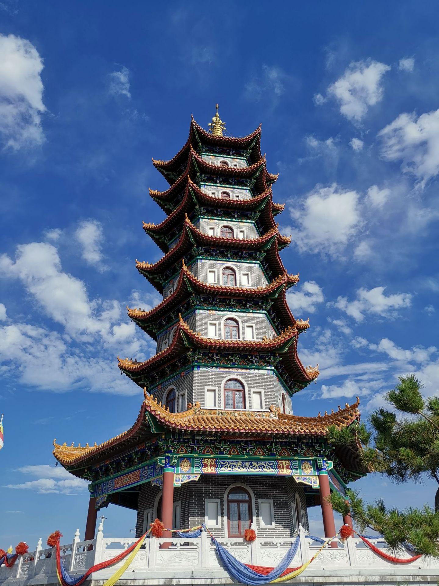 Qiannian Gucha Lingyan Temple