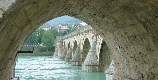 邁赫邁德•巴什•索科羅維奇的古橋