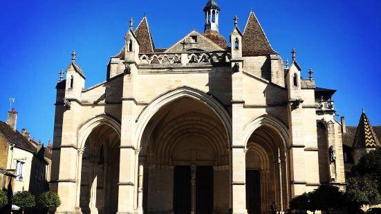 聖母大學教堂