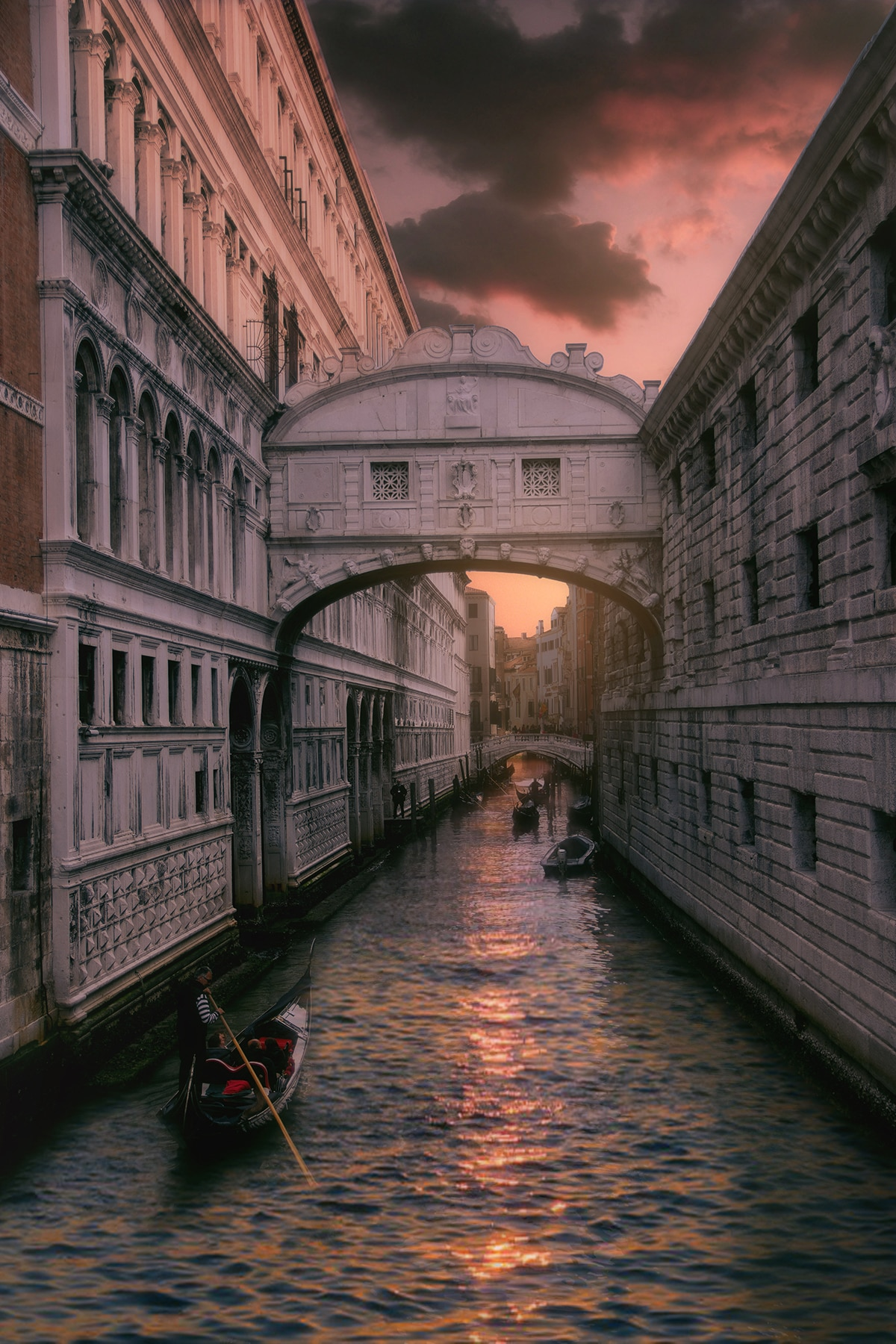 Bridge of Sighs travel guidebook –must visit attractions in Venice – Bridge  of Sighs nearby recommendation – Trip.com