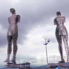 阿里和尼諾雕像用戶圖片