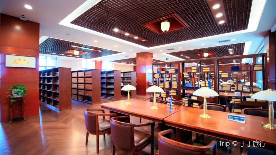 克拉瑪依市圖書館