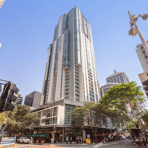 Oaks Festival Towers Brisbane