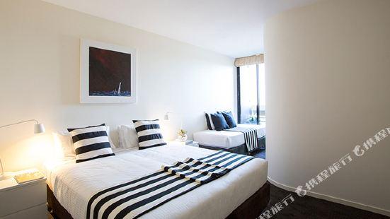 Little Collins Apartment Melbourne