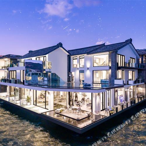 Liuyue Wusuo Seaview Holiday Hotel (Dali Erhai Shuanglang)