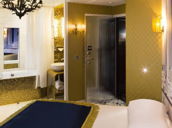 Hotel Vice Versa Paris Room Reviews Photos Paris 2021 Deals Price Trip Com