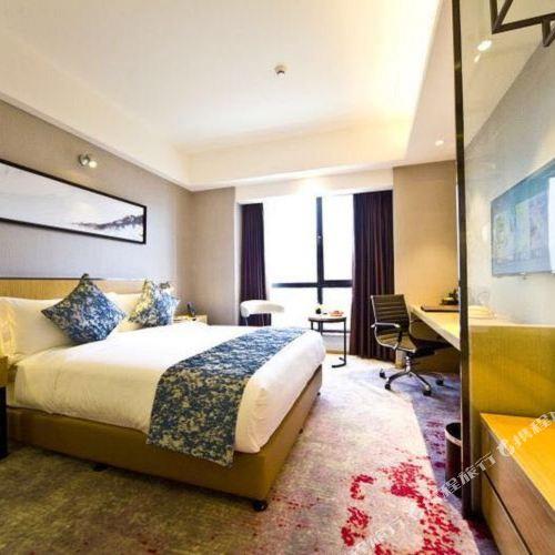 Hefeng Hotel (Ziyang Wanda)