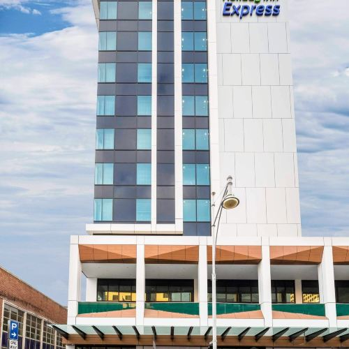 Holiday Inn Express Adelaide City Centre