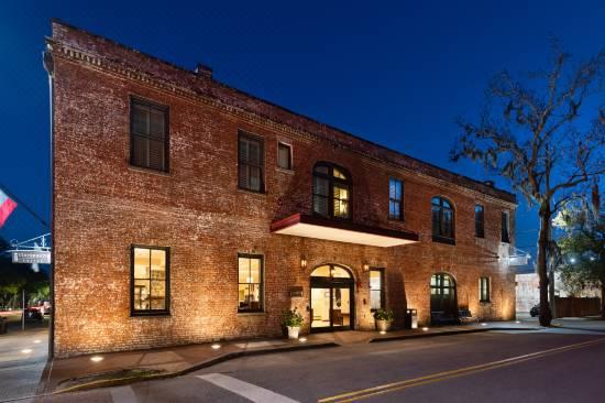 Staybridge Suites Savannah Historic District An Ihg Hotel Room Reviews Photos Savannah 2021 Deals Price Trip Com