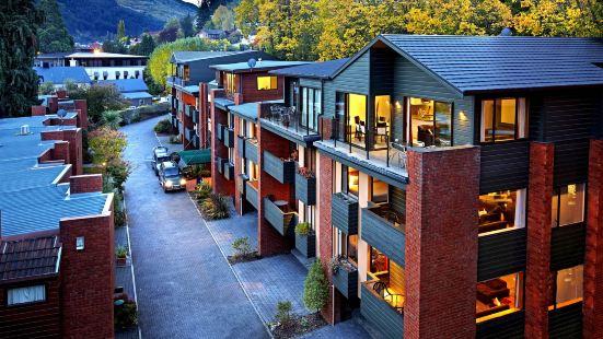 St James Apartments