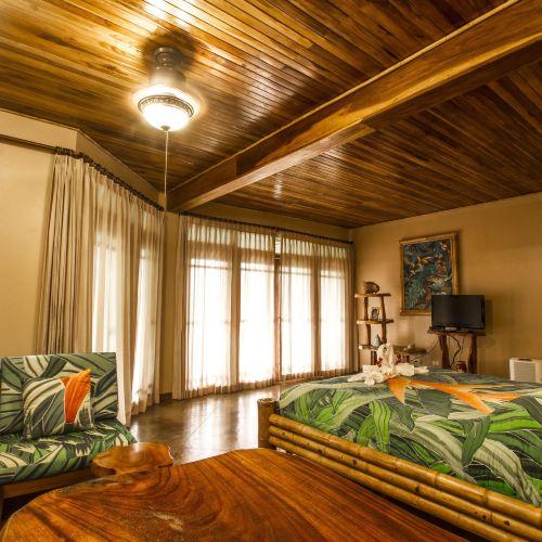 Lost Iguana Resort and Spa
