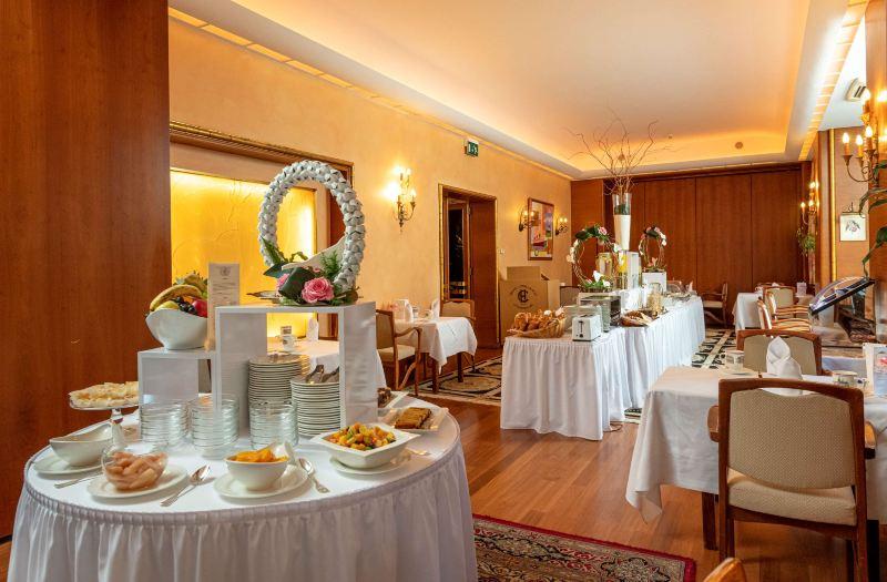 Grand Hotel Cravat Room Reviews Photos Luxembourg 2021 Deals Price Trip Com