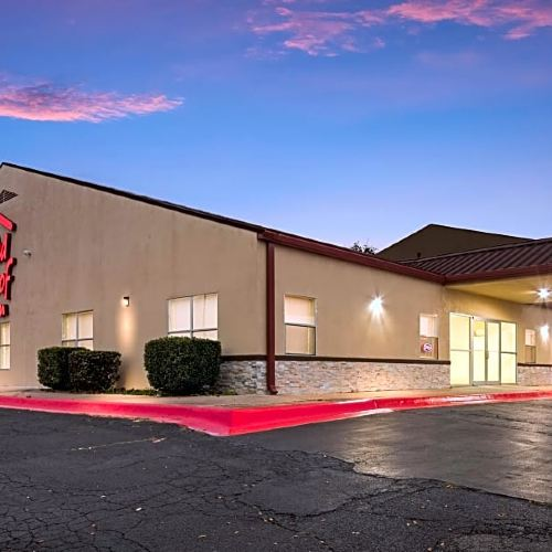 Red Roof Inn Temple