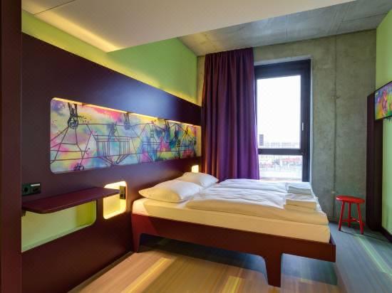 Meininger Hotel Berlin East Side Gallery Reviews For 3 Star Hotels In Berlin Trip Com