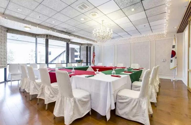 Jj Grand Hotel Room Reviews Photos Los Angeles 2021 Deals Price Trip Com