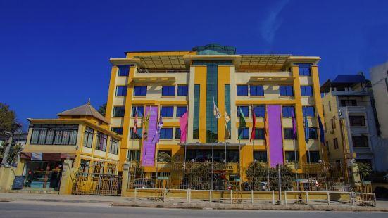 Yellow Pagoda Hotel