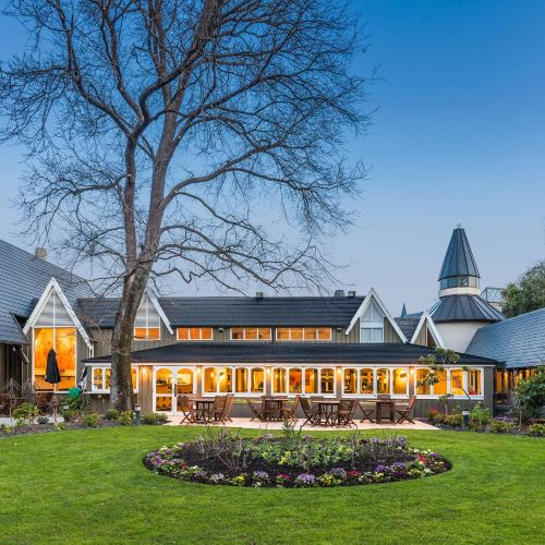 Chateau on The Park - Christchurch, A Doubletree by Hilton