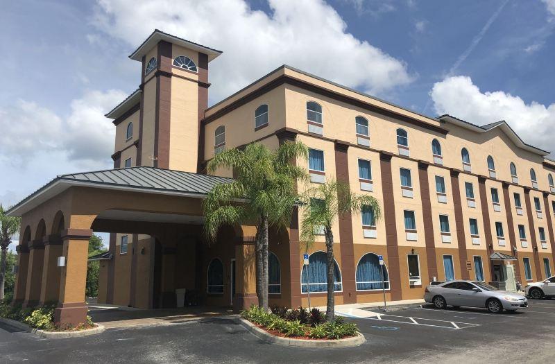 220t0w000000kl4j71FF5 R 800 525 - Econo Lodge Busch Gardens Usf Tampa Fl