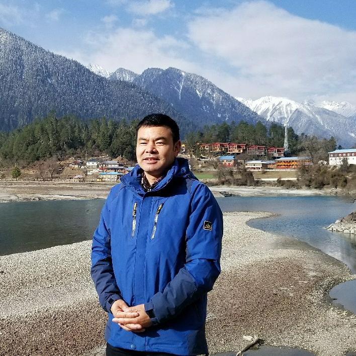 当地向导跟赵师傅逛西藏