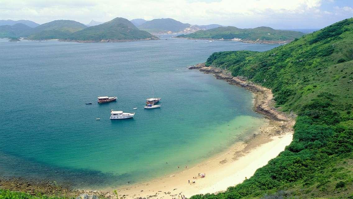 香港世界地質公園+西貢特色餐+鹽田仔島往返+聖若瑟堂一日遊