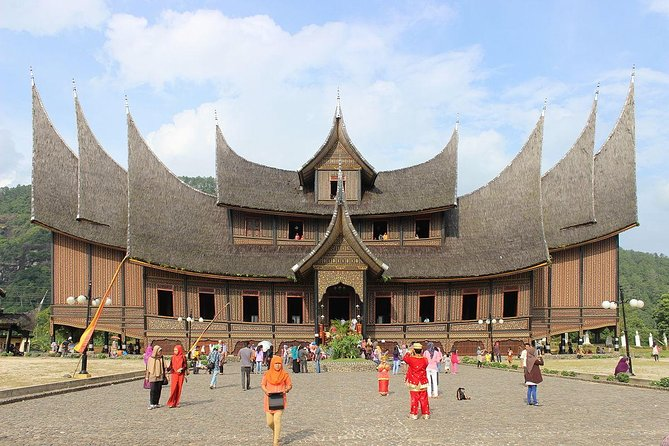 Full-Day Private Tour in Jakarta with Lunch