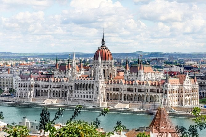 Budapest Full-Day Trip From Vienna With Accommodation Pick-Up