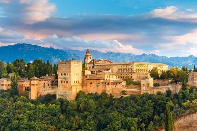 Private Tour in Granada with Alhambra Palace Entry Ticket