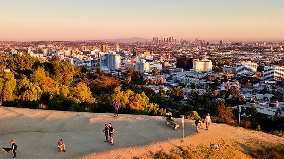 2-Hour Hollywood Walking and Hiking Sunset Tour with Skyline Views