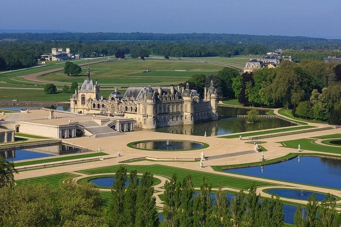 Private Visit Chantilly Castle 5 hours by luxury car