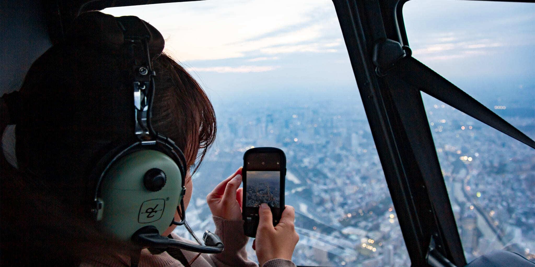 東京湾岸の青空をクルージング10分 ヘリ遊覧をお試し価格で大満足!