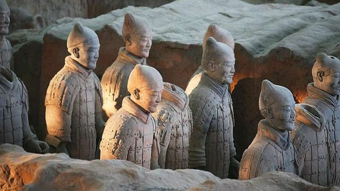 Mini Group Xian Day Tour to Terracotta Army, City Wall, Pagoda and Muslim Bazaar