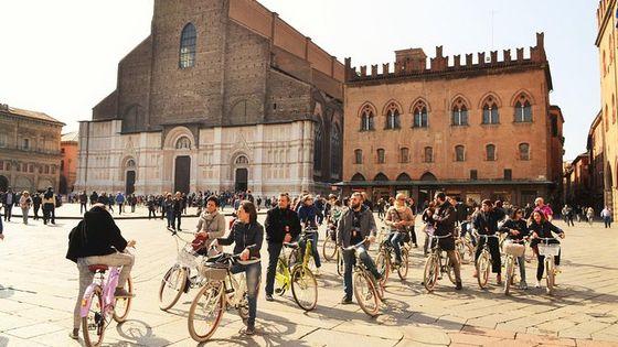 2-Hour Bike Tour of Bologna