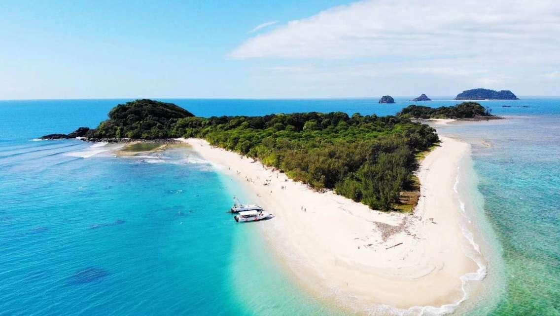 凱恩斯弗蘭克蘭德群島 超美環形珊瑚遊船一日遊(小眾景美/每天限額98人/觀看海龜/浮潛)