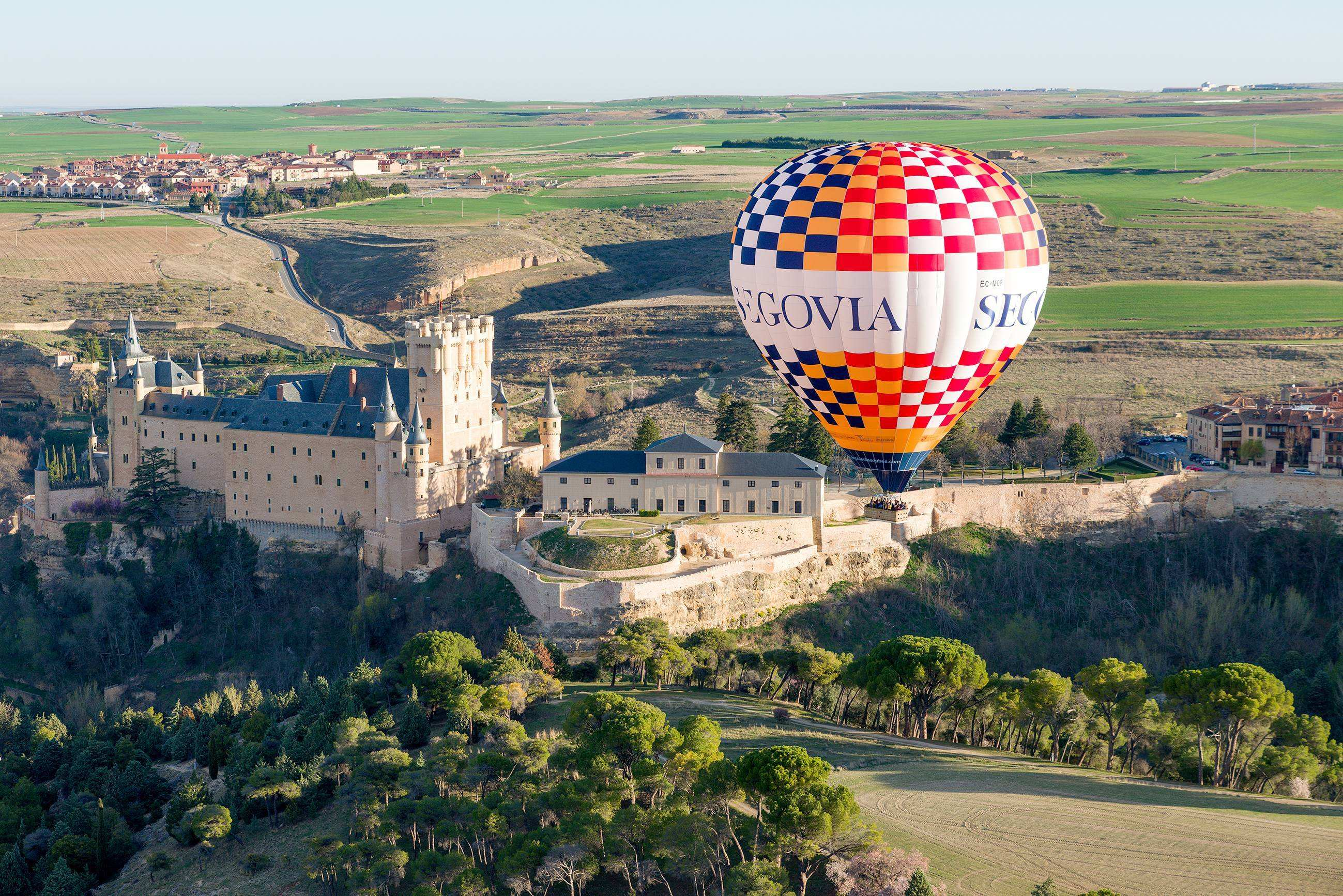 [Travel in the sky] Hot Air Balloon Experience around Madrid
