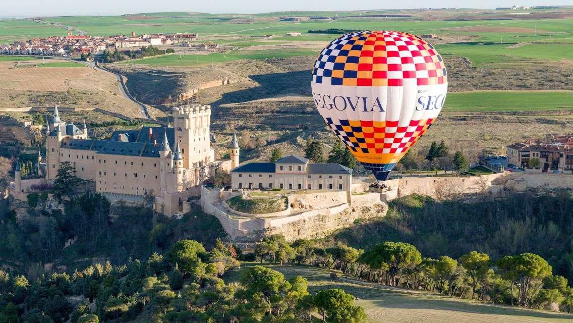 馬德里周邊熱氣球體驗之旅(天空之城 酒店接送)