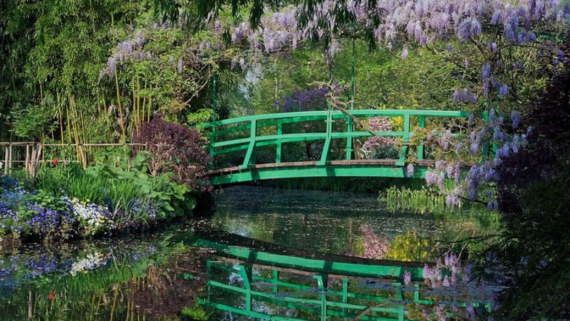 Giverny Private Trip with Monet's House, Gardens & Impressionism Museum