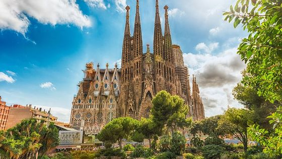 Private Guided Barcelona Tour (Top 10 Attractions, Customize the tour , Pickup)